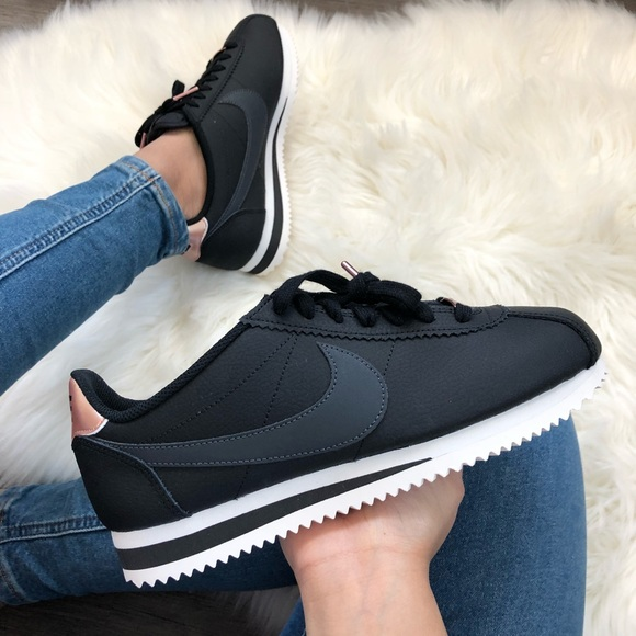 buy popular 4d427 63091 Brand New Nike Classic Cortez Black + Rose Gold NWT